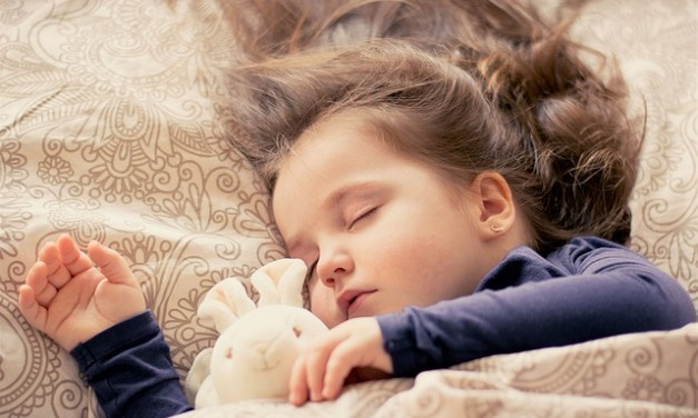 The Co-Sleeping Controversy – Pros and Cons