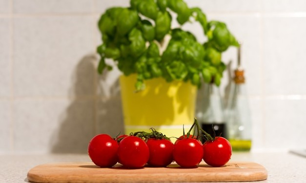 Why one should think of cultivating a kitchen garden?