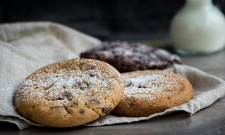 5 PRO TIPS TO BAKE THE BEST CHOCOLATE COOKIES EVER