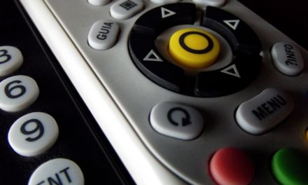 More Canadians are dropping their TV package than ever before